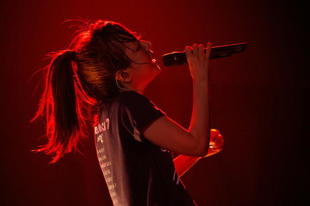 aiko。写真は7月27日に東京・Zepp Tokyoで行われた「Love Like Rock vol.7」の様子。(提供:ポニーキャニオン)