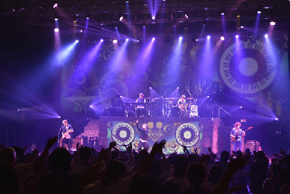 Aqua Timezがパシフィコ横浜で半年間の「アスナロウ TOUR」に幕、mayukoは結婚報告
