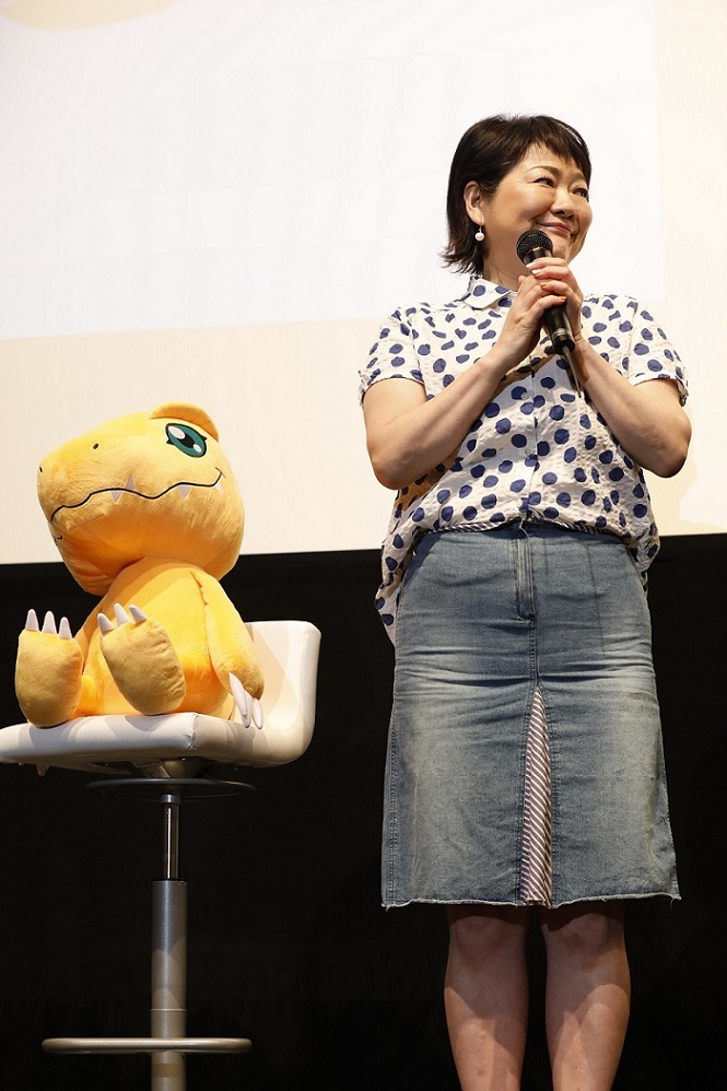坂本千夏(アグモン役)