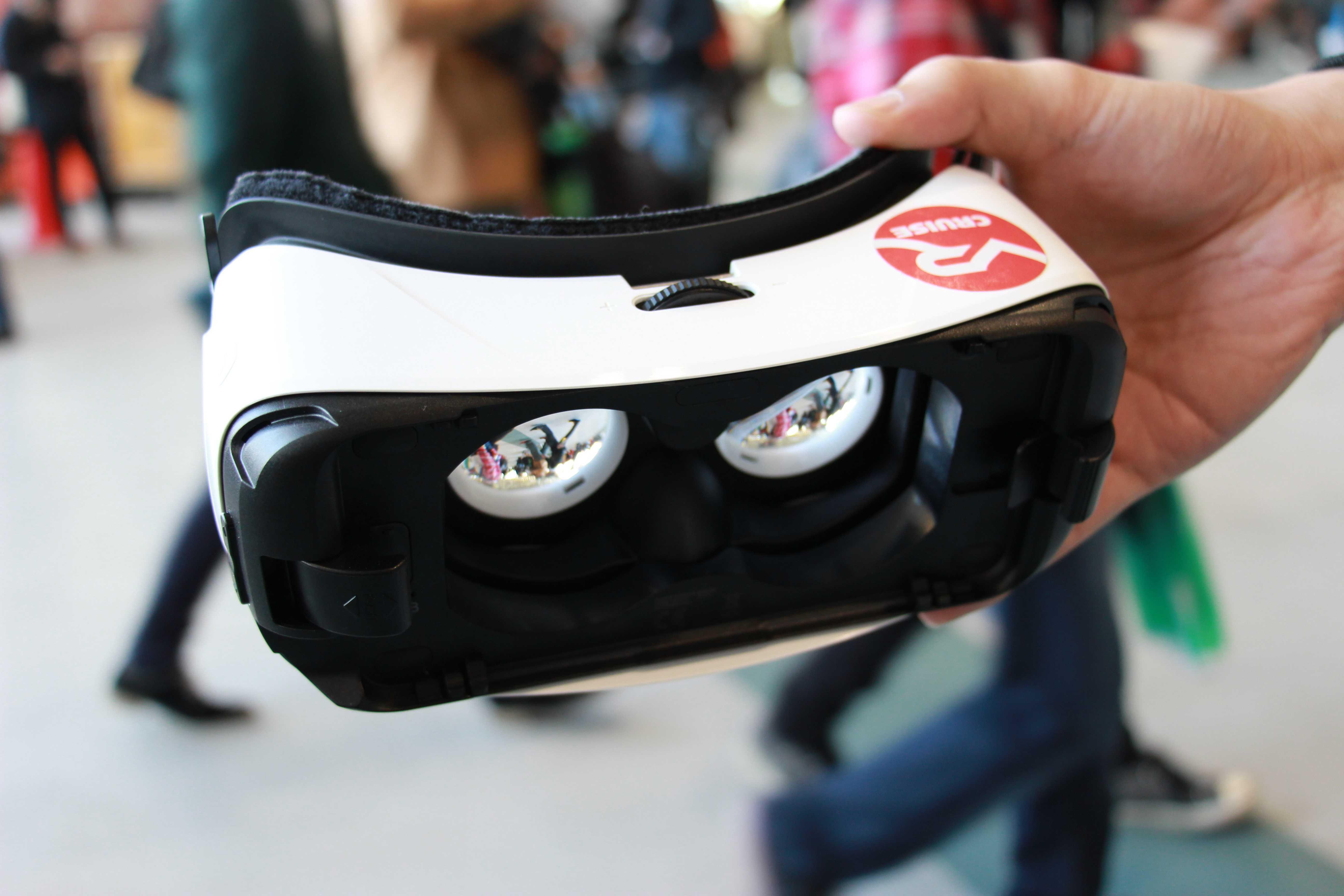 サムスン社製ヘッドマウントディスプレイ「Gear VR」