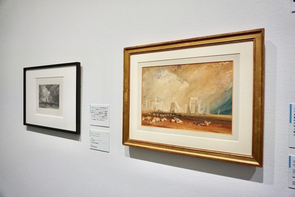 右:《ストーンヘンジ、ウィルトシャー》 1827-28年 水彩・紙 ソールズベリー博物館 On loan from The Salisbury Museum, England