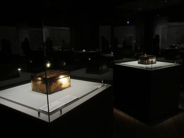鎌倉時代に栄華を極めた、きらびやかな手箱の数々