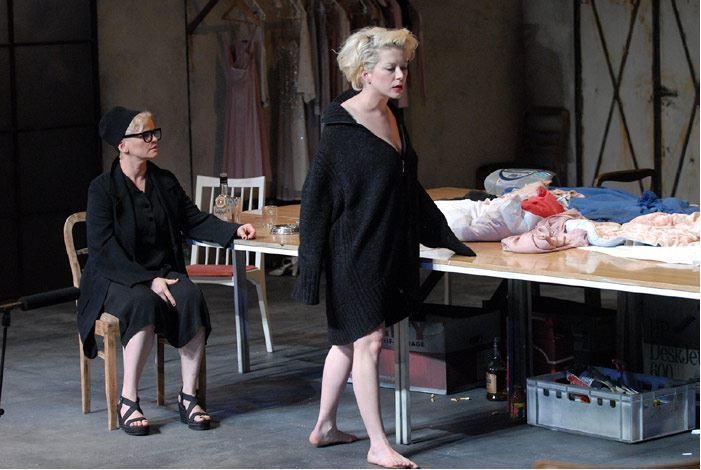 Sunday, 5 April 2009 Studio ATM Persona Tryptyk - Marilyn directed by Krystian Lupa photo by Zbyszek Warzyñski