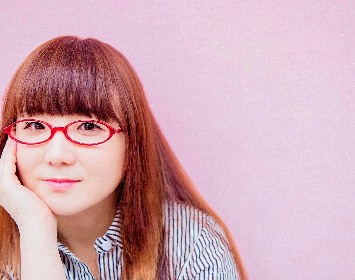奥華子 デビュー15周年記念ベスト盤発売決定&映画『殺さない彼と死なない彼女』主題歌「はなびら」解禁