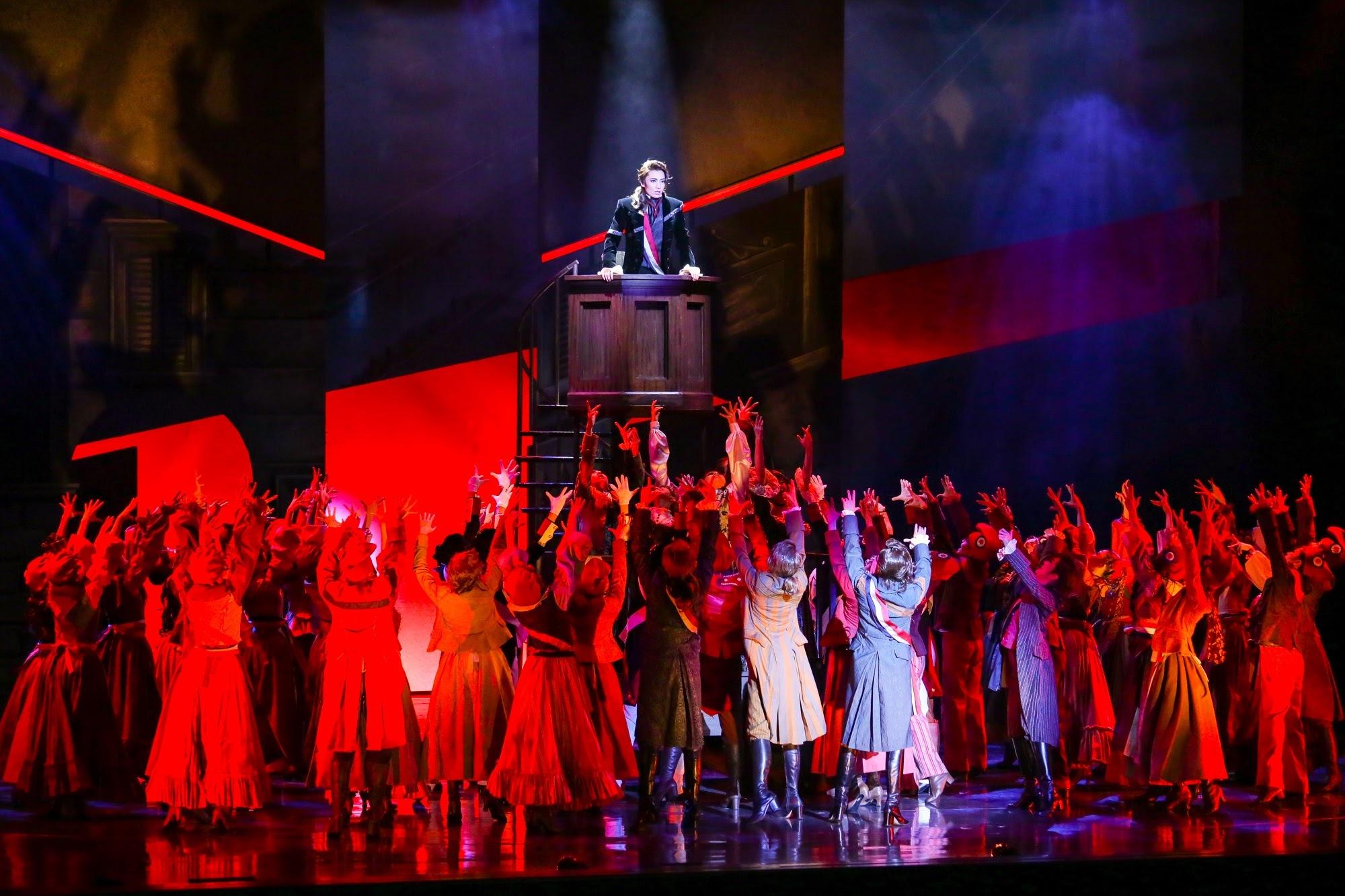 恐怖政治を宣言するロベスピエール (c)宝塚歌劇団