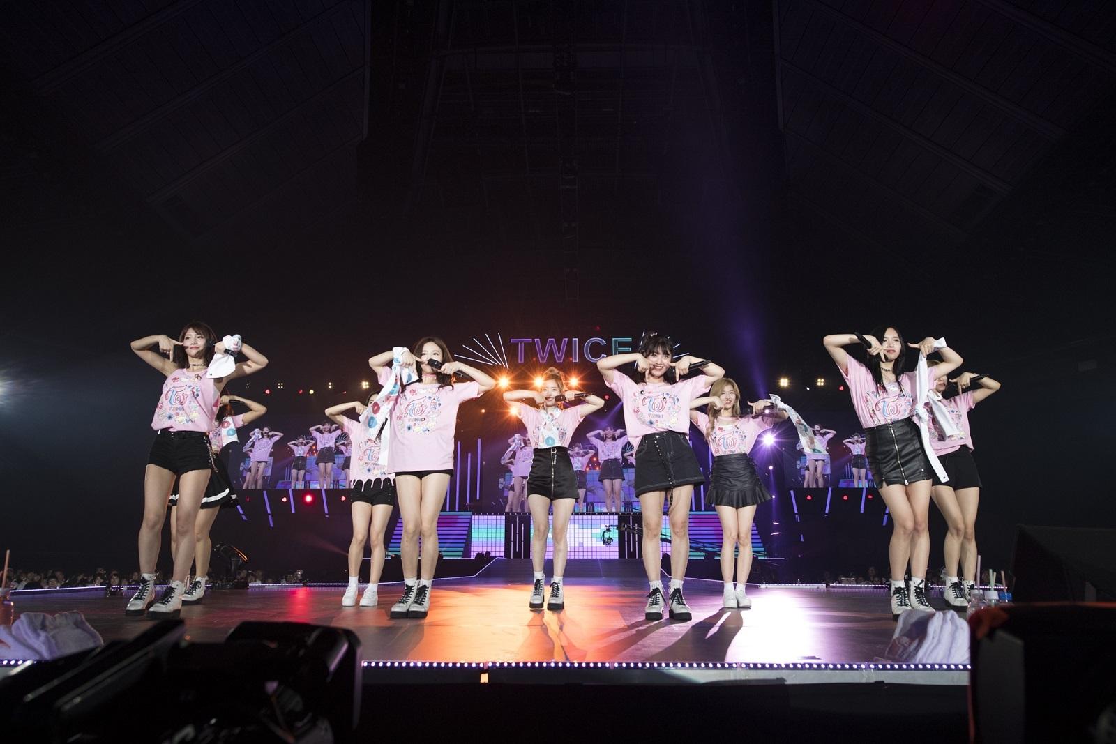 """『TWICE DEBUT SHOWCASE """"Touchdown in JAPAN""""』 撮影=田中聖太郎"""