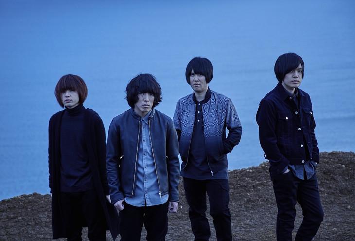 KANA-BOON・飯田祐馬(左)