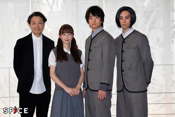 『春のめざめ』囲み取材 写真左から白井晃、岡本夏美、伊藤健太郎、栗原類