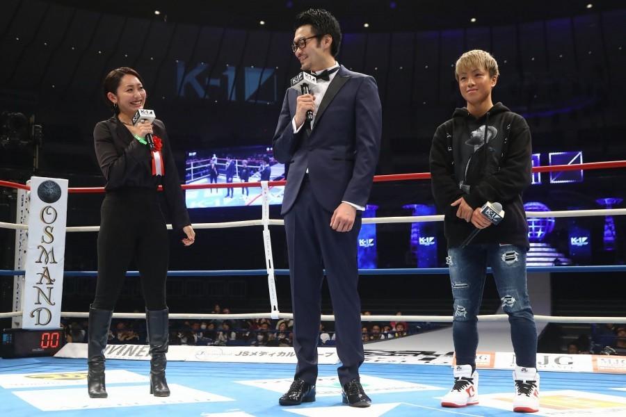 安藤美姫アンバサダー(左)とKANA(右)、『K-1 WORLD GP 2019 JAPAN ~よこはまつり~』にて