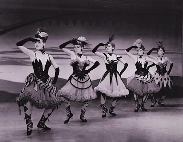 劇中のハイライト〈ドリーム・バレエ〉の一場面