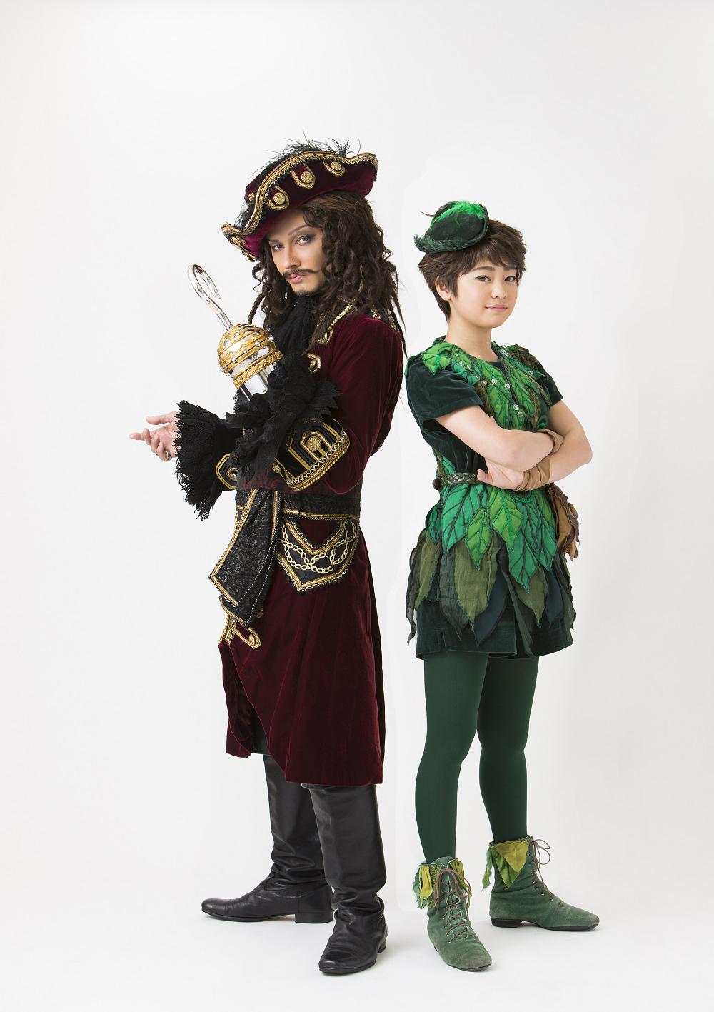 (右から)吉柳咲良・ISSA