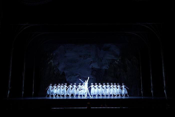 Kバレエカンパニー『白鳥の湖』 (C)Hidemi Seto