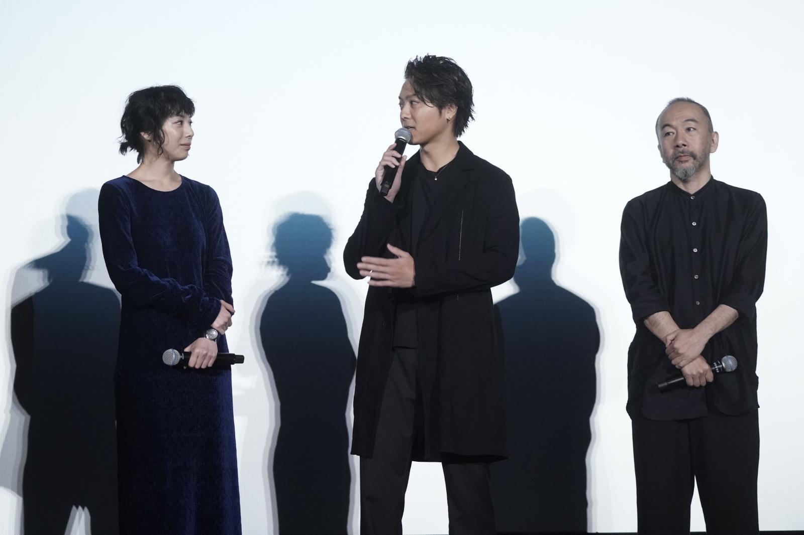 左から、夏帆、TAKAHIRO、塚本晋也