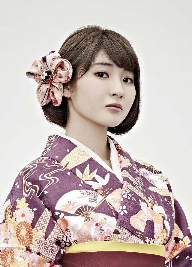 井上小百合(乃木坂46)演じる紫堂志奈子。