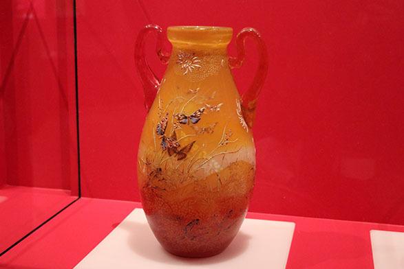 《草花文耳付花器》(1895年頃、ポーラ美術館蔵)