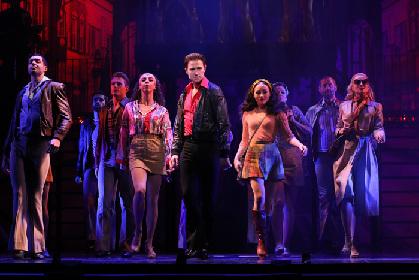 ミュージカル『サタデー・ナイト・フィーバー』開幕レポート~リチャード・ウィンザーの超絶ダンスと力強い演技から目が離せない、新生『SNF』