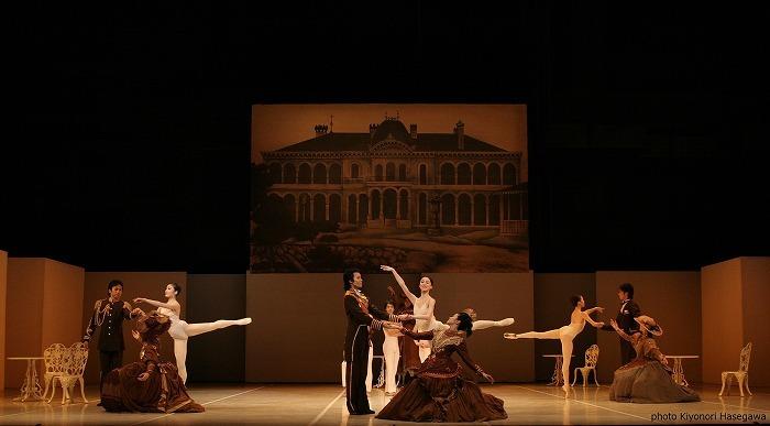 東京バレエ団『M』より、 「鹿鳴館」の場面