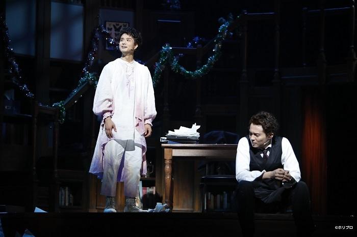 2019年公演より 左より)田代万里生、 平方元基  撮影:西木義和 (C)ホリプロ