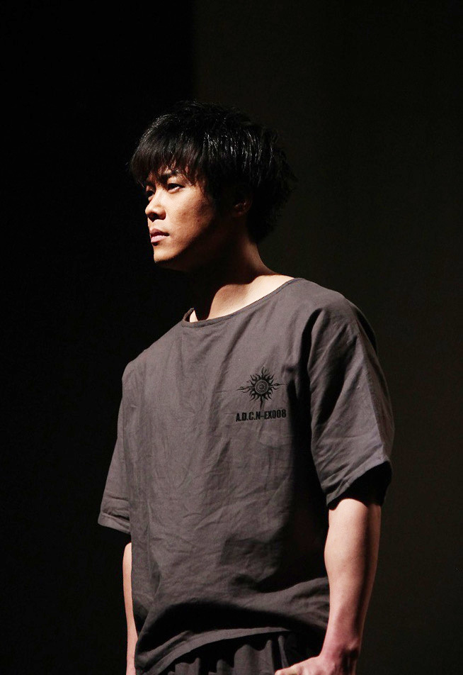 ドームの最下層で暮らすカムイを演じる鷹松宏一