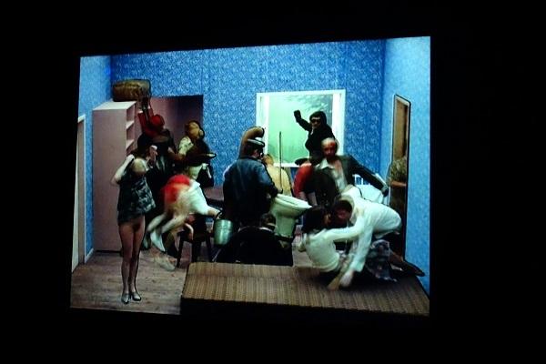 ズビグ・リプチンスキー《タンゴ》1980/シングルチャンネル・ヴィデオ(オリジナル:35ミリフィルム)/作家蔵