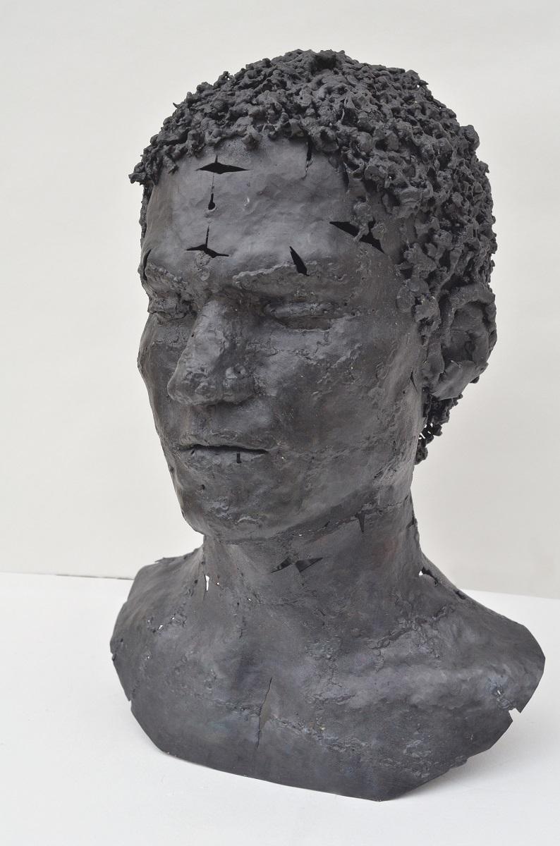 ヨヴァナ・トゥーツォヴィッチ【Male Portrait】 2017年 38×27×27cm 金属