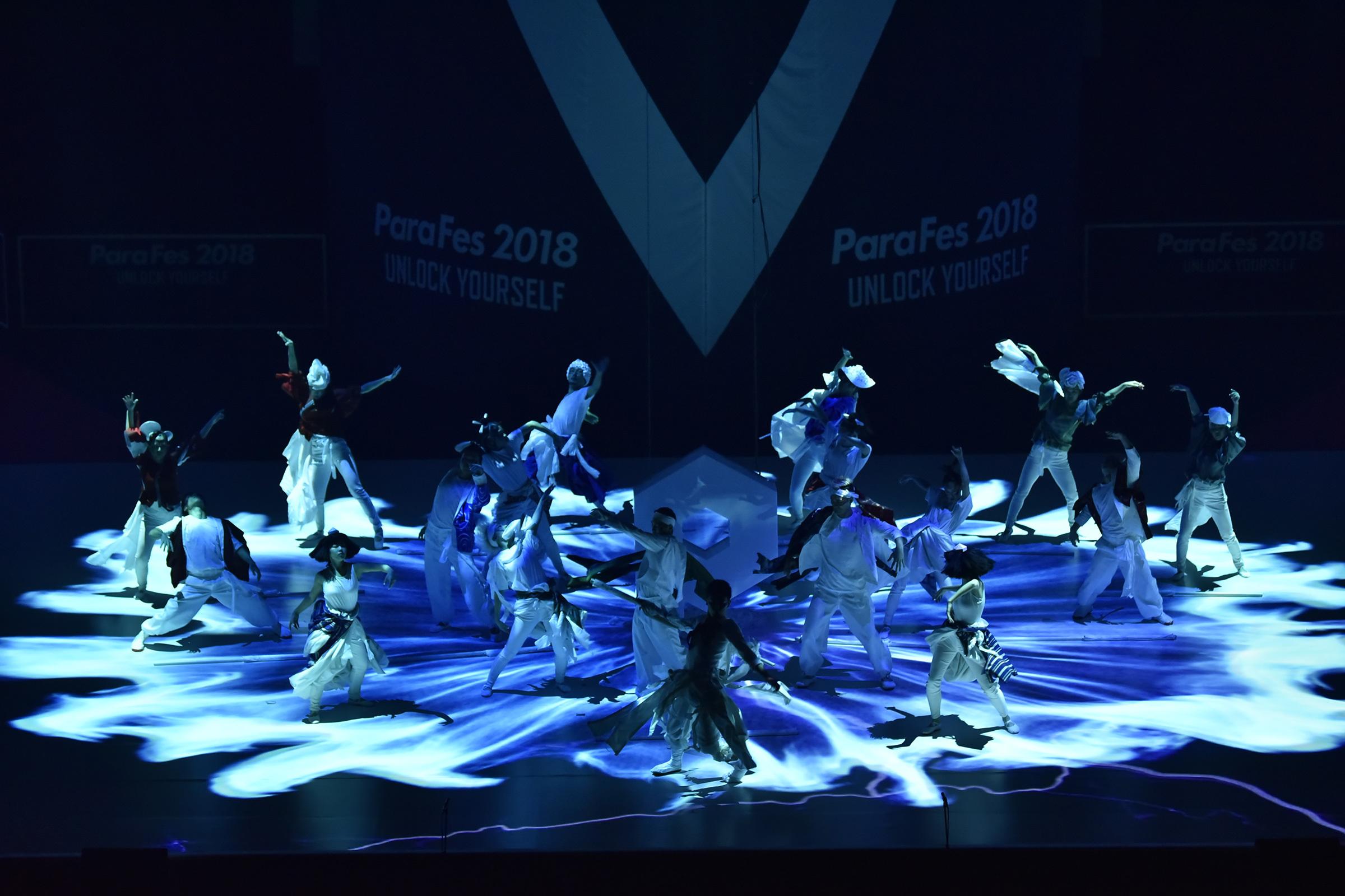 パラフェスダンサーズによるオープニングパフォーマンス