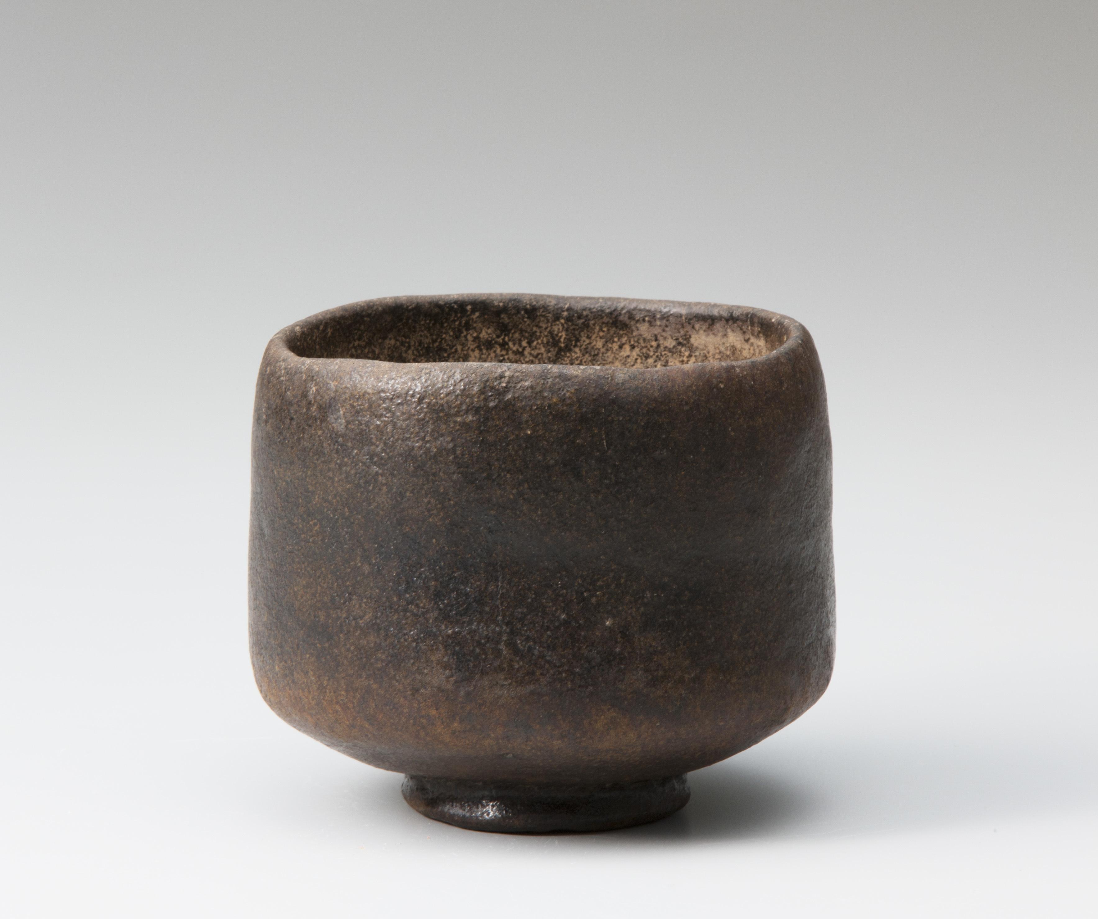 初代 長次郎 黒樂茶碗 銘 禿 桃山時代(十六世紀) 表千家不審菴蔵