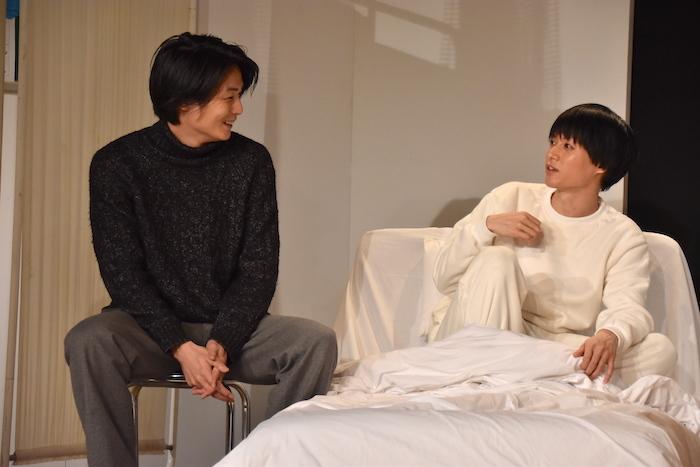 19日の1日ゲスト八神蓮(左)/舞台『夜明け〜spirit〜』のゲネプロの様子