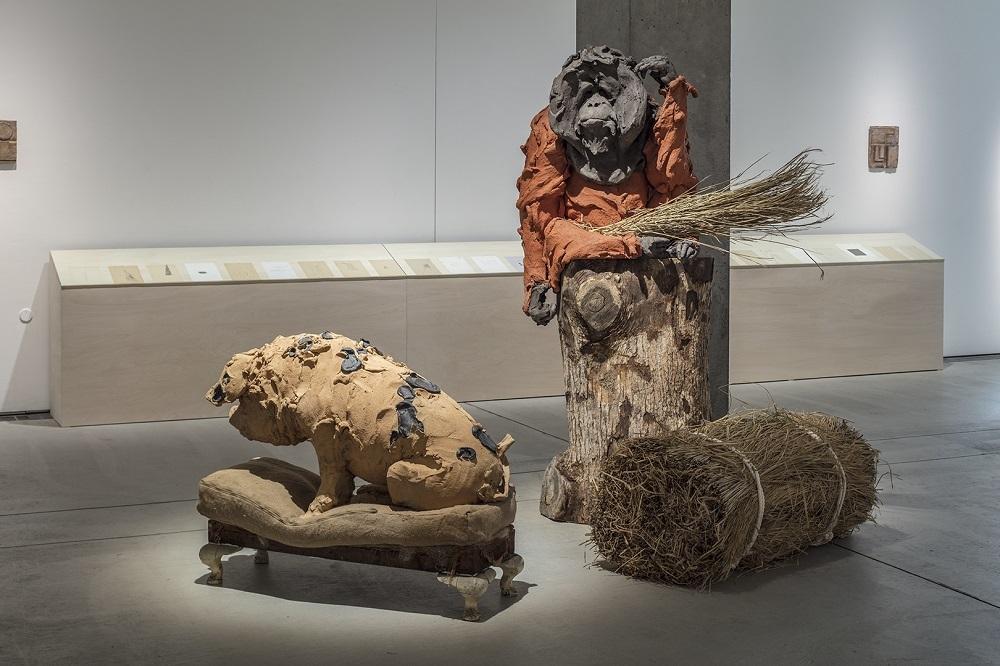 ステファニー・クエール「Old Boar and Orangutan」 撮影:淺川 敏