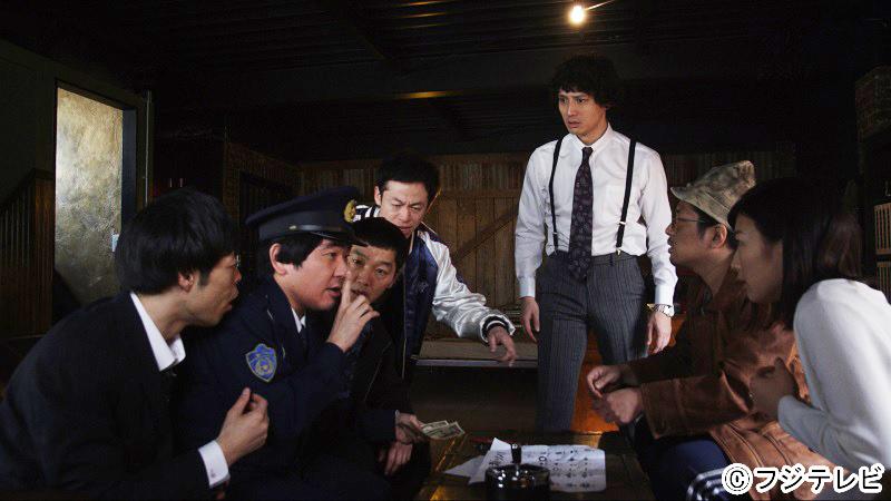 ドラマの一シーンより。安藤とヨーロッパ企画の面々の掛け合いも見どころだ。