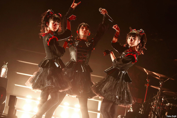 「BABYMETAL WORLD TOUR 2016」The SSE Arena, Wembley公演の様子。