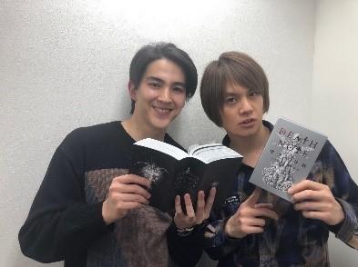 (左より)甲斐翔真、 浦井健治  提供:ホリプロ
