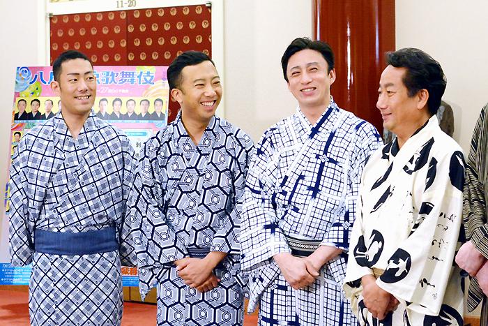 『八月納涼歌舞伎』左から中村勘九郎、市川猿之助、市川染五郎、中村扇雀。