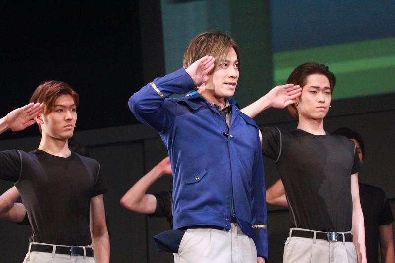 中央:ワルター・フォン・シェーンコップ役 大高雄一郎