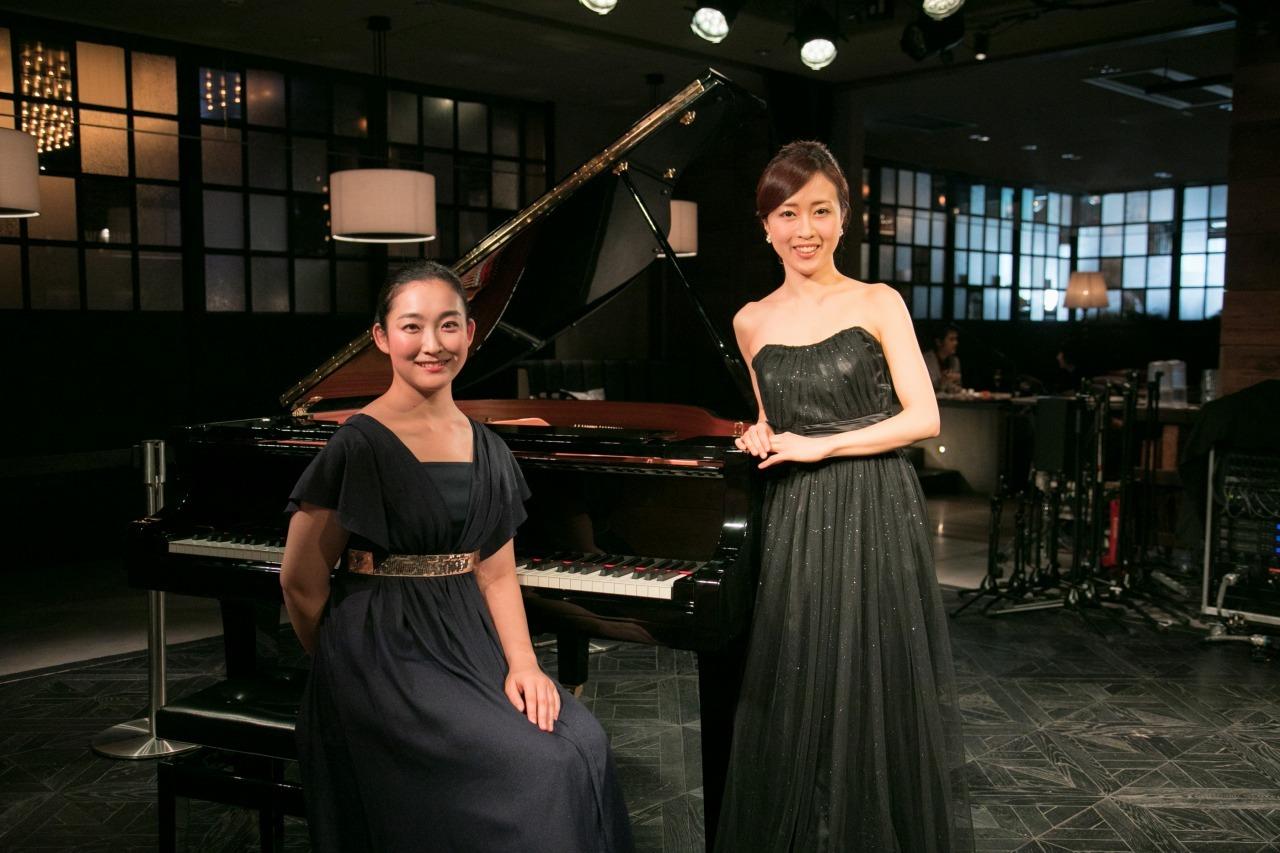 (左から)坂本真由美(ピアノ)&千葉清加(ヴァイオリン)