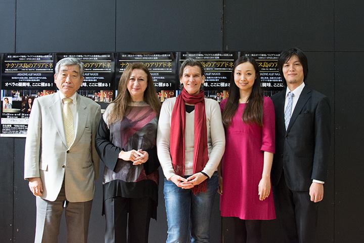 左より)中山欽吾(理事長)、シモーネ・ヤング、カロリーネ・グルーバー、清野友香莉、近藤圭
