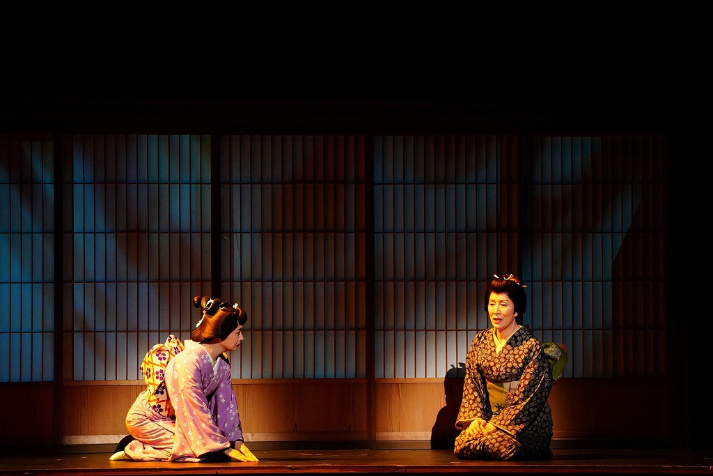 (左から)檀れい、高畑淳子