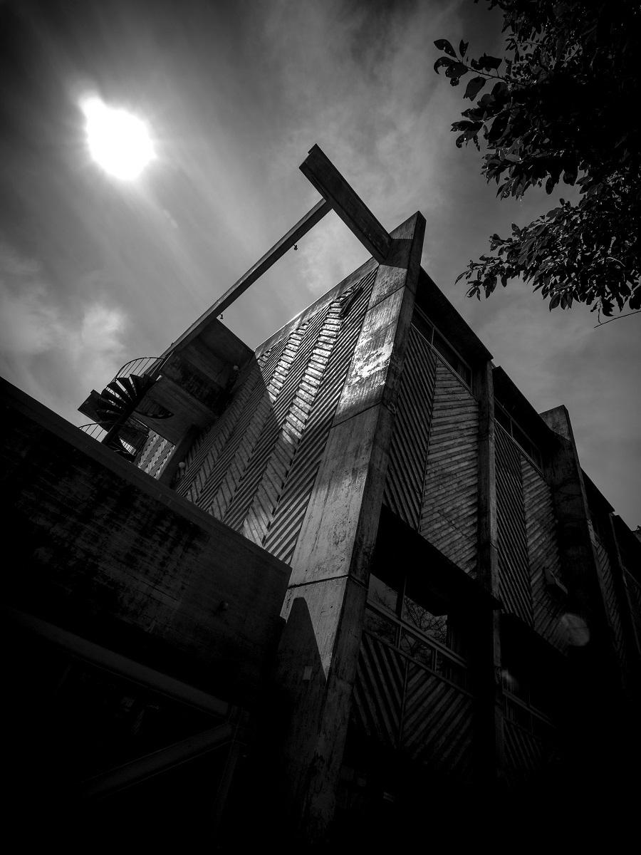 「武蔵野美術大学7号館」 撮影:村井修 / 有川幸雄 2016年