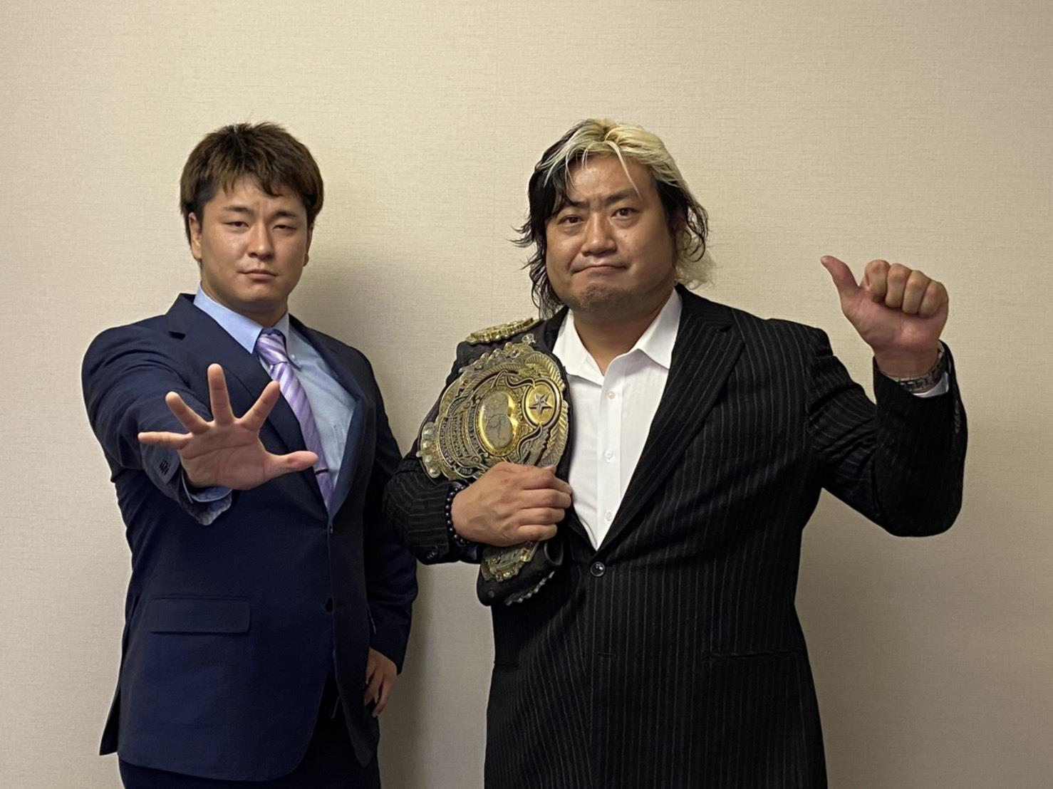 タッグ戦でベルトをかけた翌3日には、三冠ヘビー級のシングル戦で挑戦者・青柳優馬(左)と王者・諏訪魔(右)が再戦