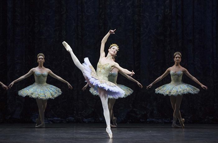 『ドン・キホーテ』ドロテ・ジルベール © Julien Benhamou / Opéra national de Paris