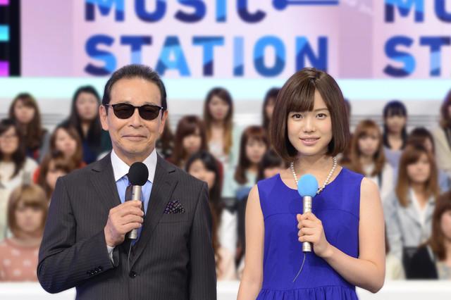 「ミュージックステーション」司会のタモリと弘中綾香アナウンサー。 (c)テレビ朝日