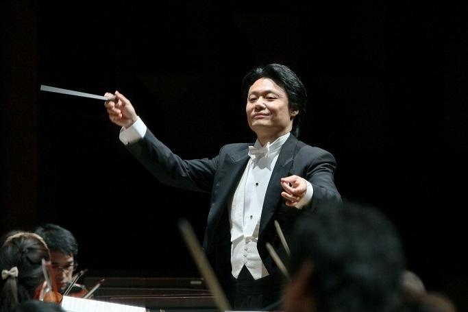ウィーン縁のロマン派音楽を体系的に指揮。尖がった選曲で気を吐く常任指揮者 寺岡清高 (C)飯島隆