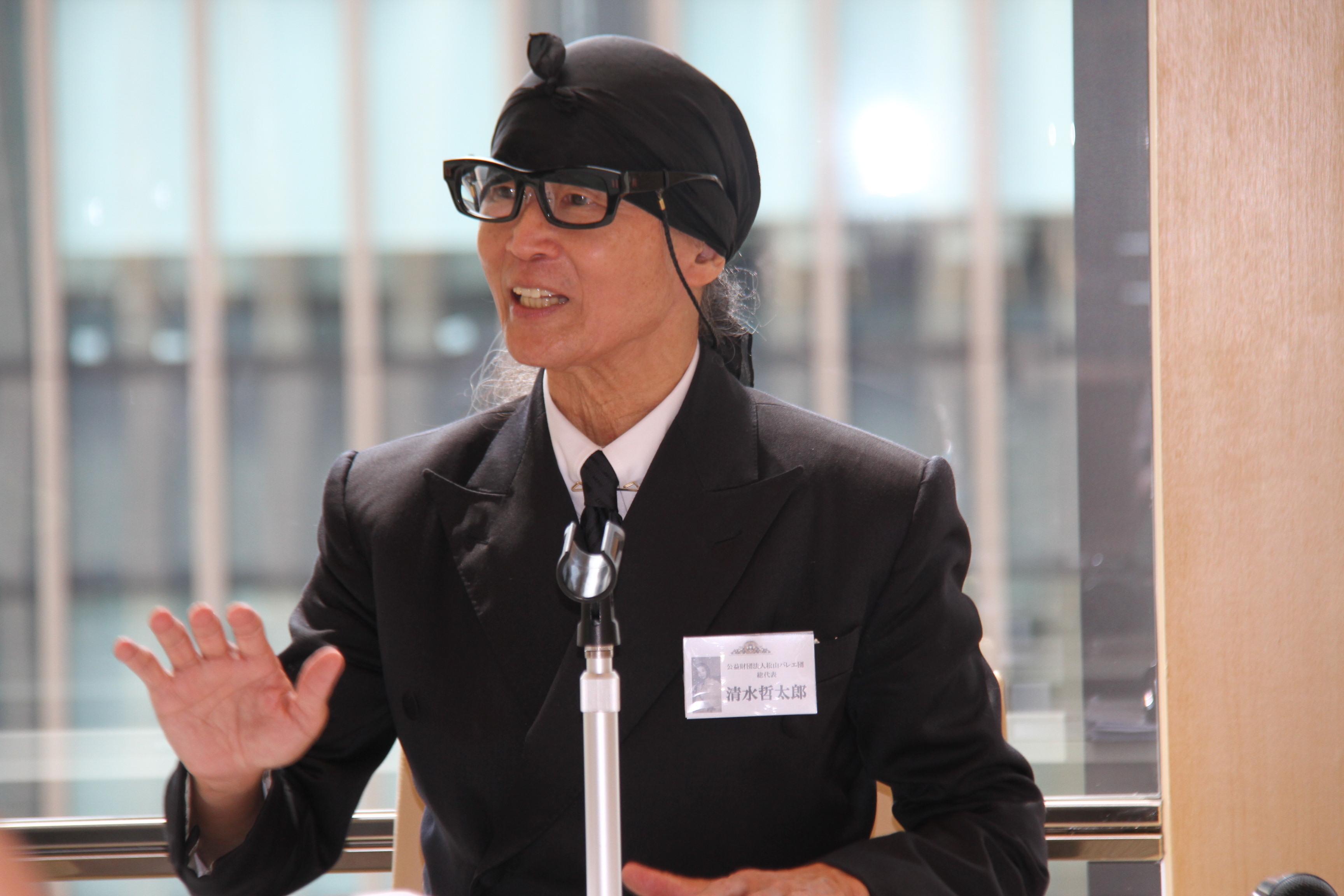 記者会見でバレエ芸術について語る、総代表 清水哲太郎  (C)H.isojima