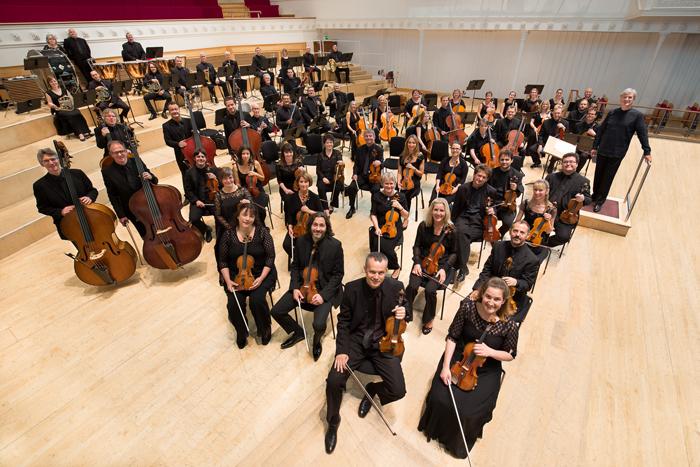 トーマス・ダウスゴーとBBCスコティッシュ交響楽団 ©BBC/John Wood