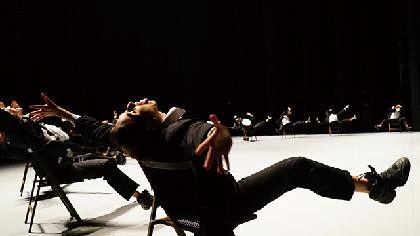 バットシェバ舞踊団『DECADANCE – デカダンス』は問答無用の衝撃