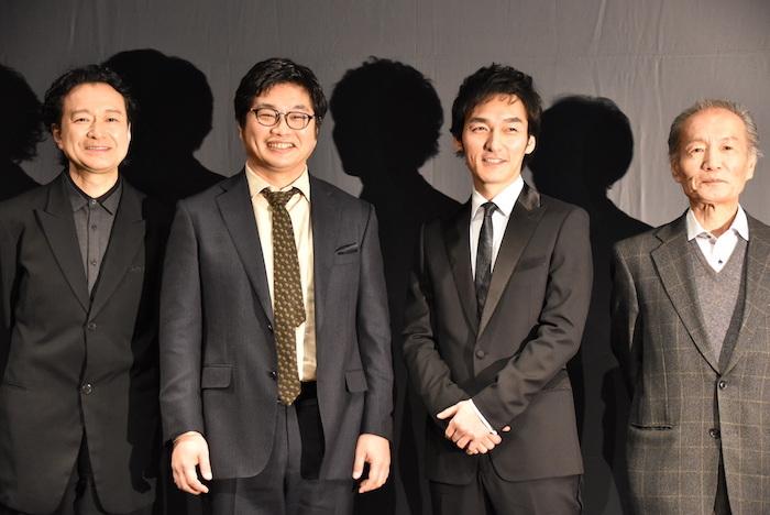 白井晃、松尾諭、草彅剛、小林克也(左から)