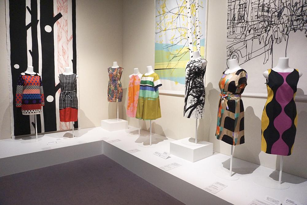 2000年代のファブリックとドレスの数々