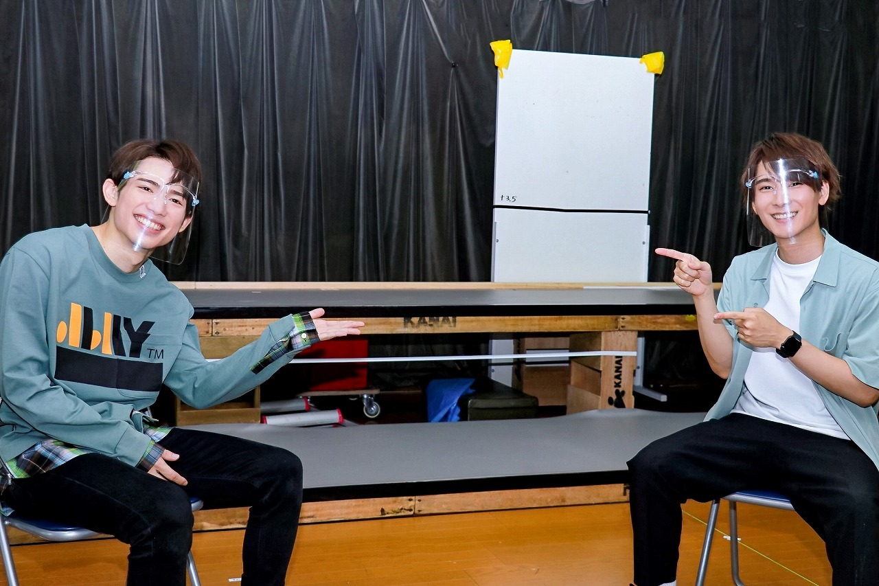 (左から)百名ヒロキ、朝田淳弥