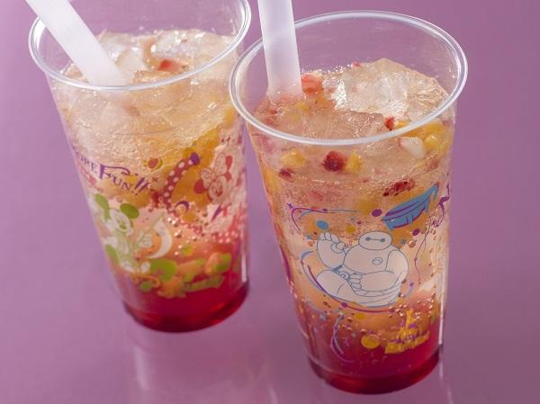 スパークリングドリンク(ミックスフルーツ) 1杯450円 販売店舗:ボイラールーム・バイツほか (C) Disney