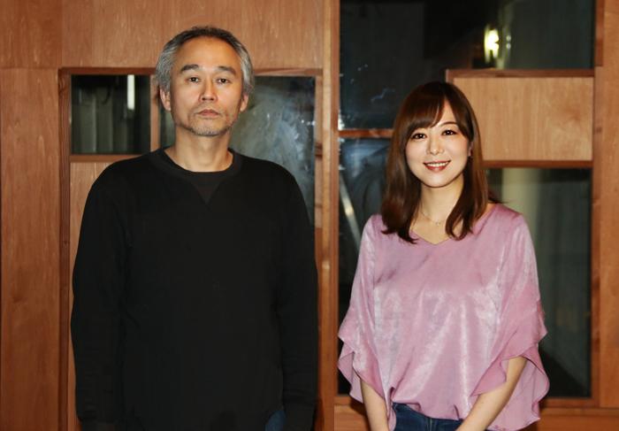 BUoY Caféにて、Dr.エクアドル、岸本佳子  (撮影:安藤光夫)